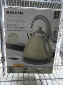 Salter kettle. This item carries VAT.