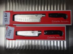 2 knives. This item carries VAT.