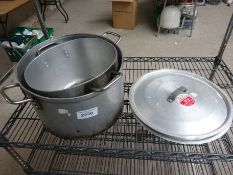 2 cooking pots