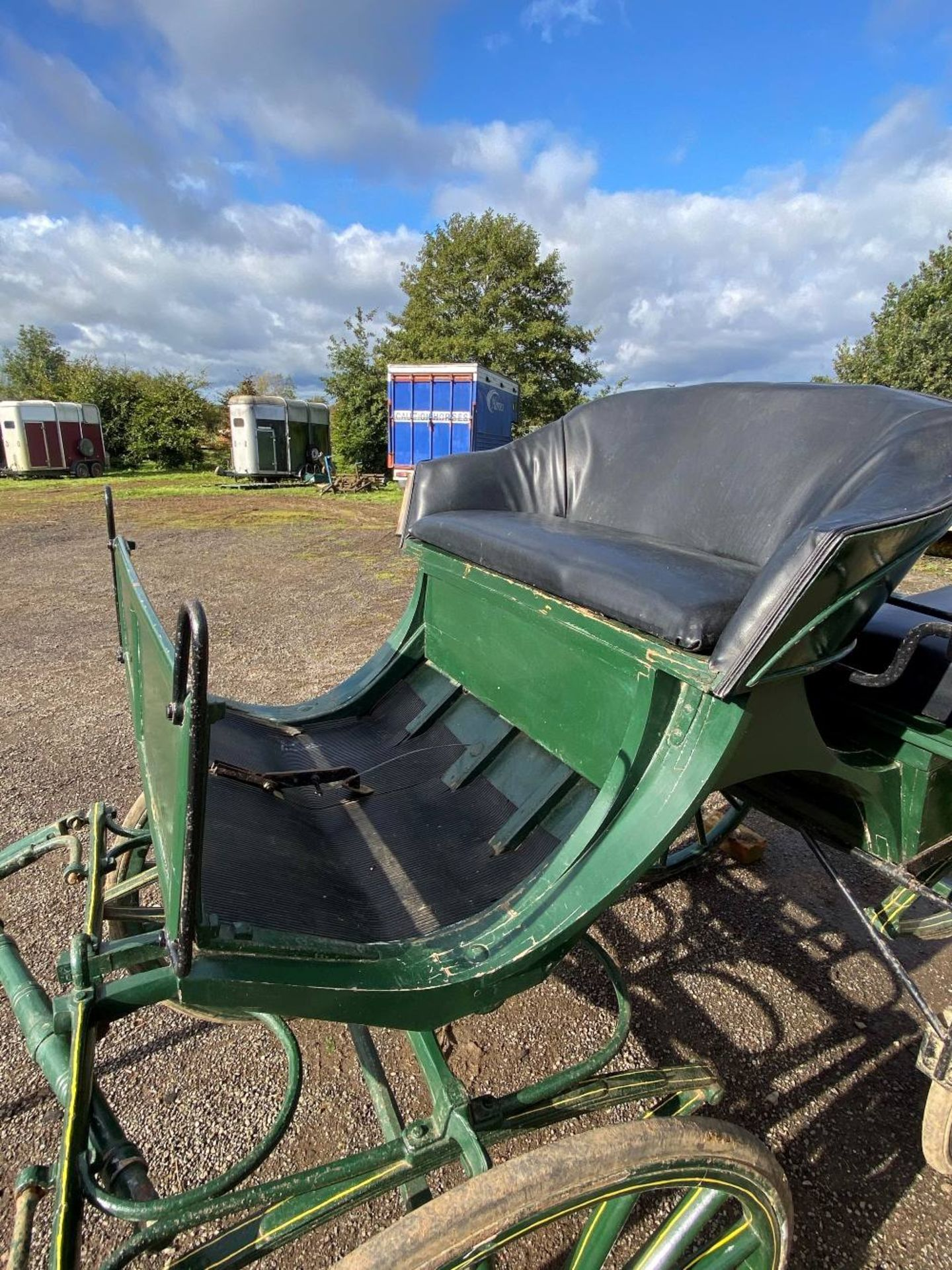 FRENCH WAGONETTE circa 1900 to suit 14.2 to 16hh single.  Lot 13 is located at the Reading Auction C - Image 3 of 3