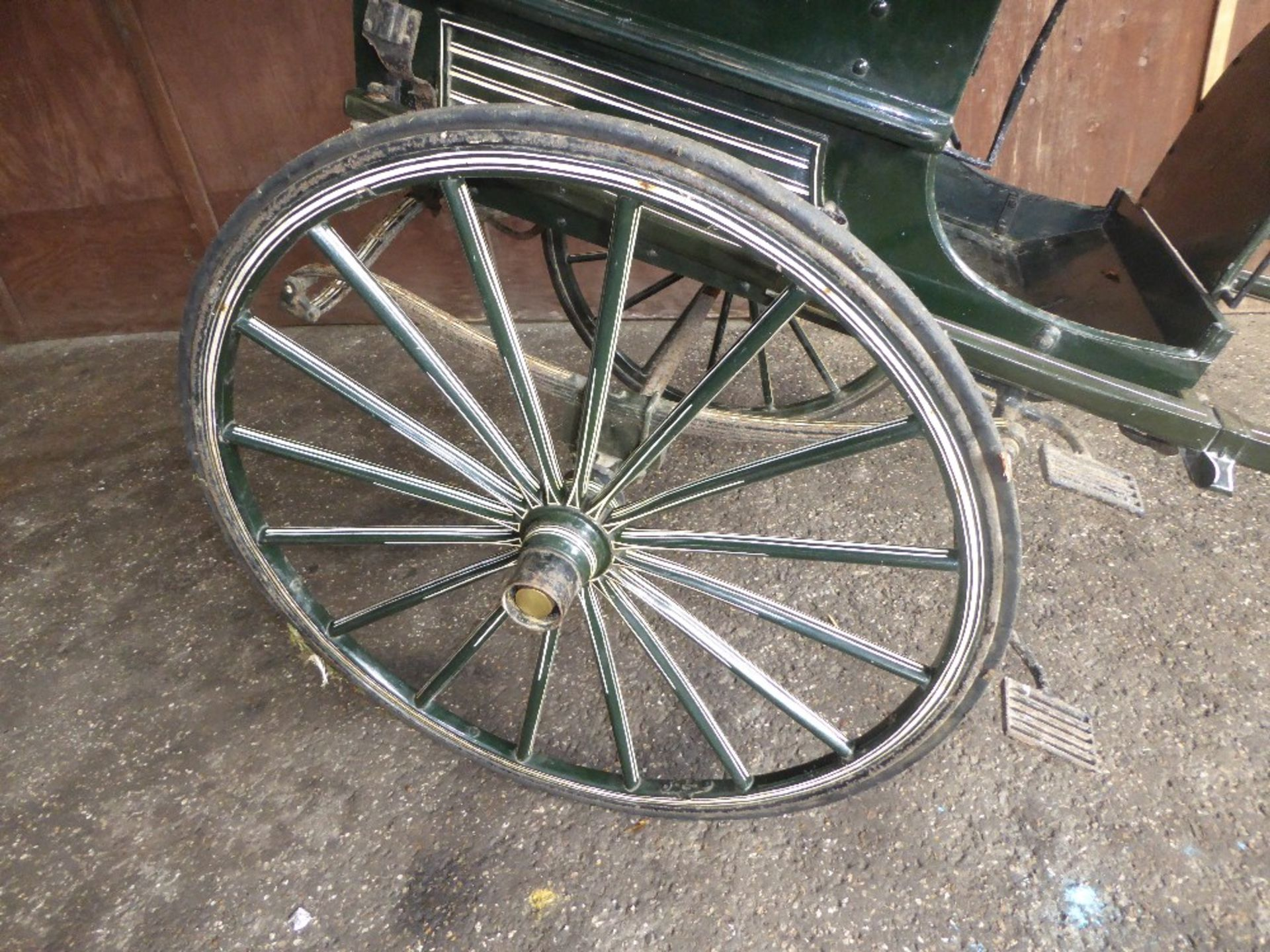 RALLI CAR built by John Beadle of Dartford to suit 13 to 14hh. Painted dark green with cream lining - Image 7 of 14
