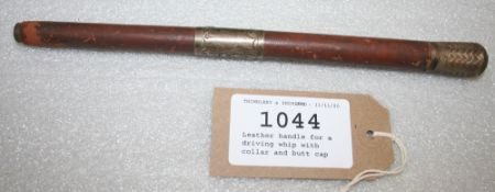Leather handle for a driving whip, with collar and butt cap