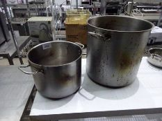 2 large cooking pots.