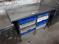 Stainless steel dishwasher tray table/8 dishwasher trays, 135cms.