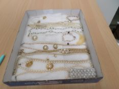 Tray of pearl type jewellery