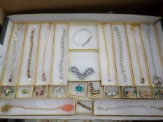 Tray of boxed good quality costume jewellery