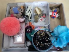 Tray of ladies hair jewellery, key rings, badges and buttons