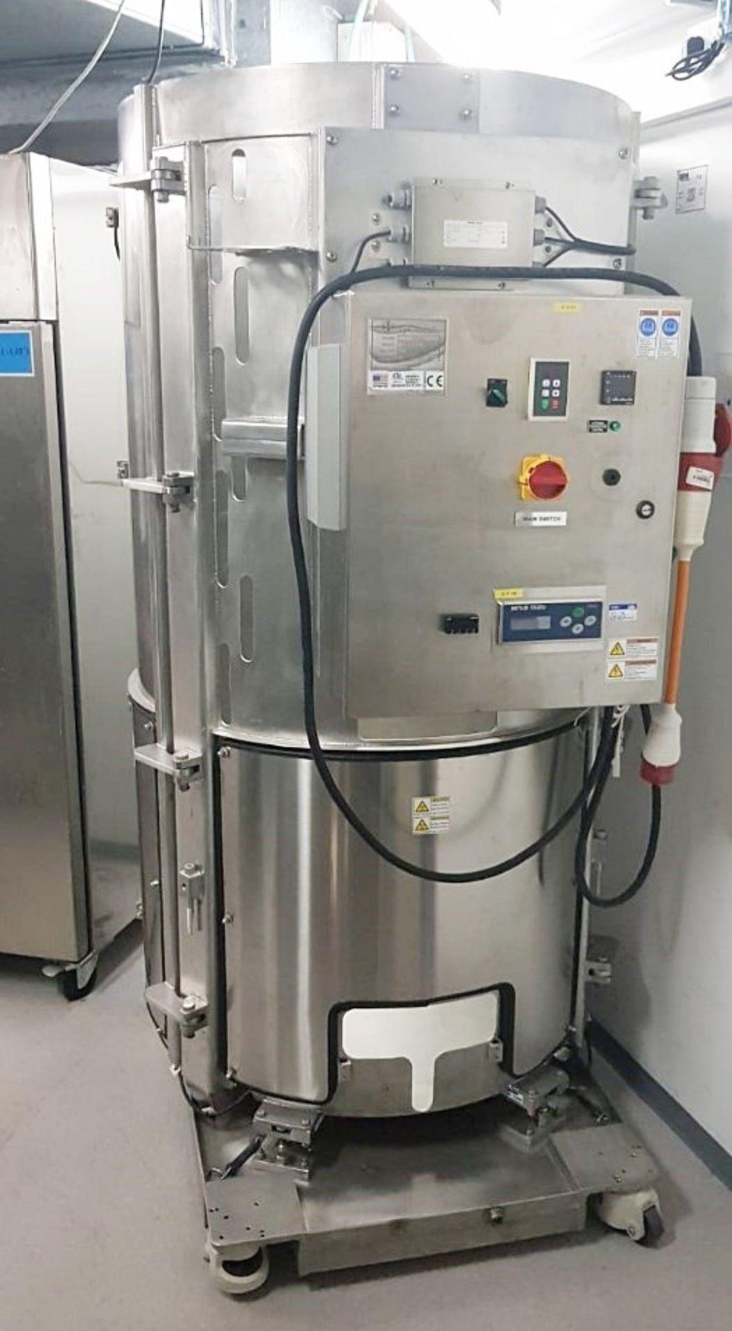 Lot 2566 - 1 x THERMO SCIENTIFIC HyClone Single Use Bioreactor (S.U.B.), 1000L - Laboratory Closure - Ref: