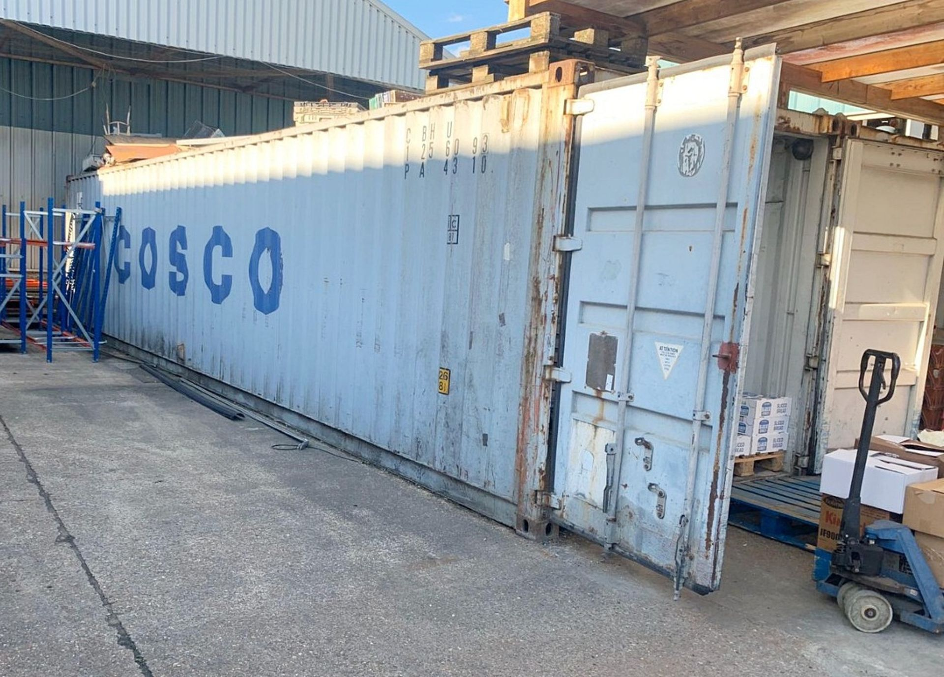 Lot 2351 - 1 x Commercial 40ft Shipping / Storage Container With Fluorescent Lighting **Good Condition**
