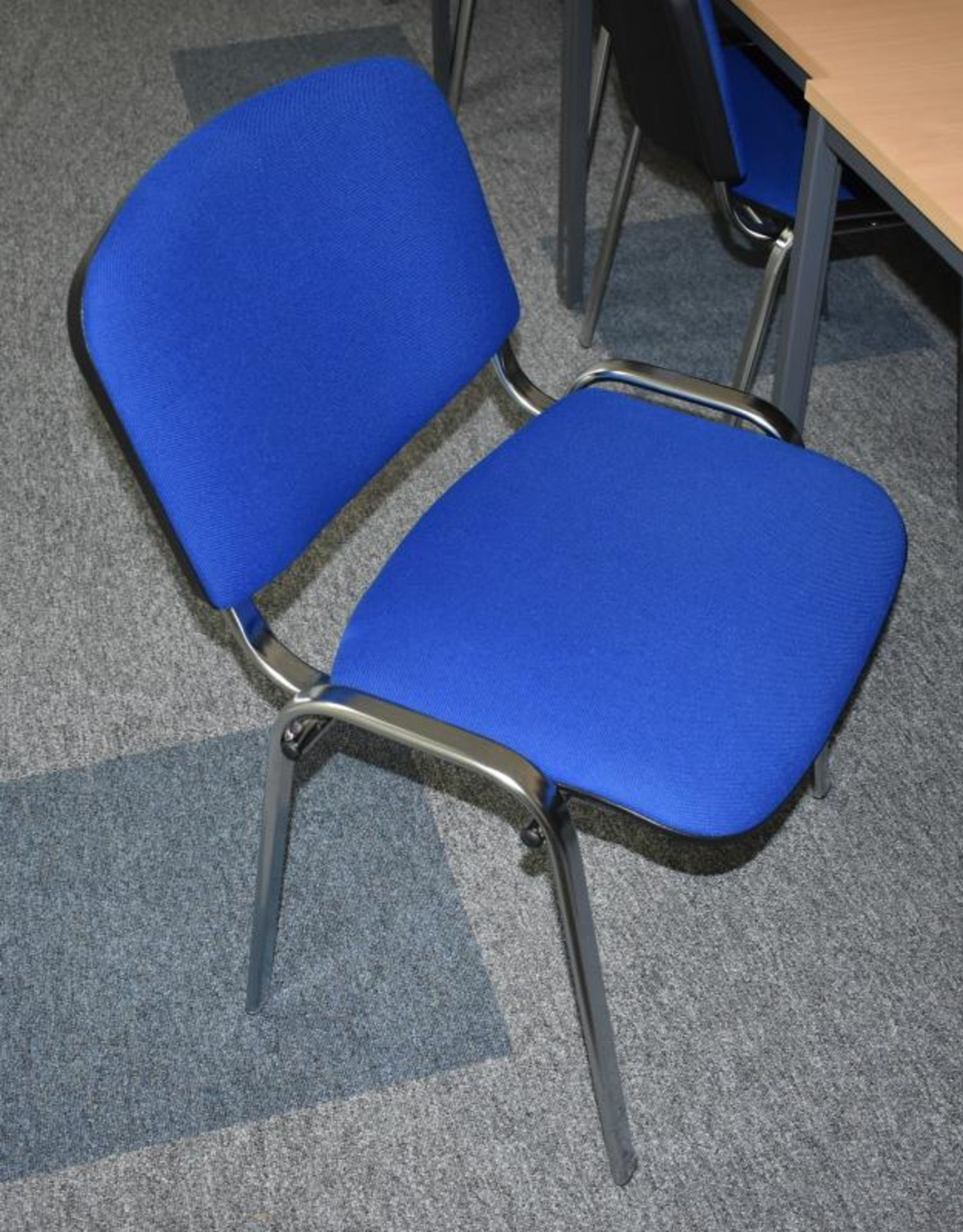 Lot 391 - 10 x Stackable Office Chairs Upholsted in Blue Fabric - CL490 - Location: Putney, London, SW15