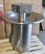 1 x Circulalr Washthrough Hand Wash Station For Upto 6 Persons - Full Stainless Steel Construction