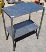 1 x Stainless Steel Prep Table With Undershelf - H85 x W92 x D61 cms - CL282 - Ref CB209 H4D -