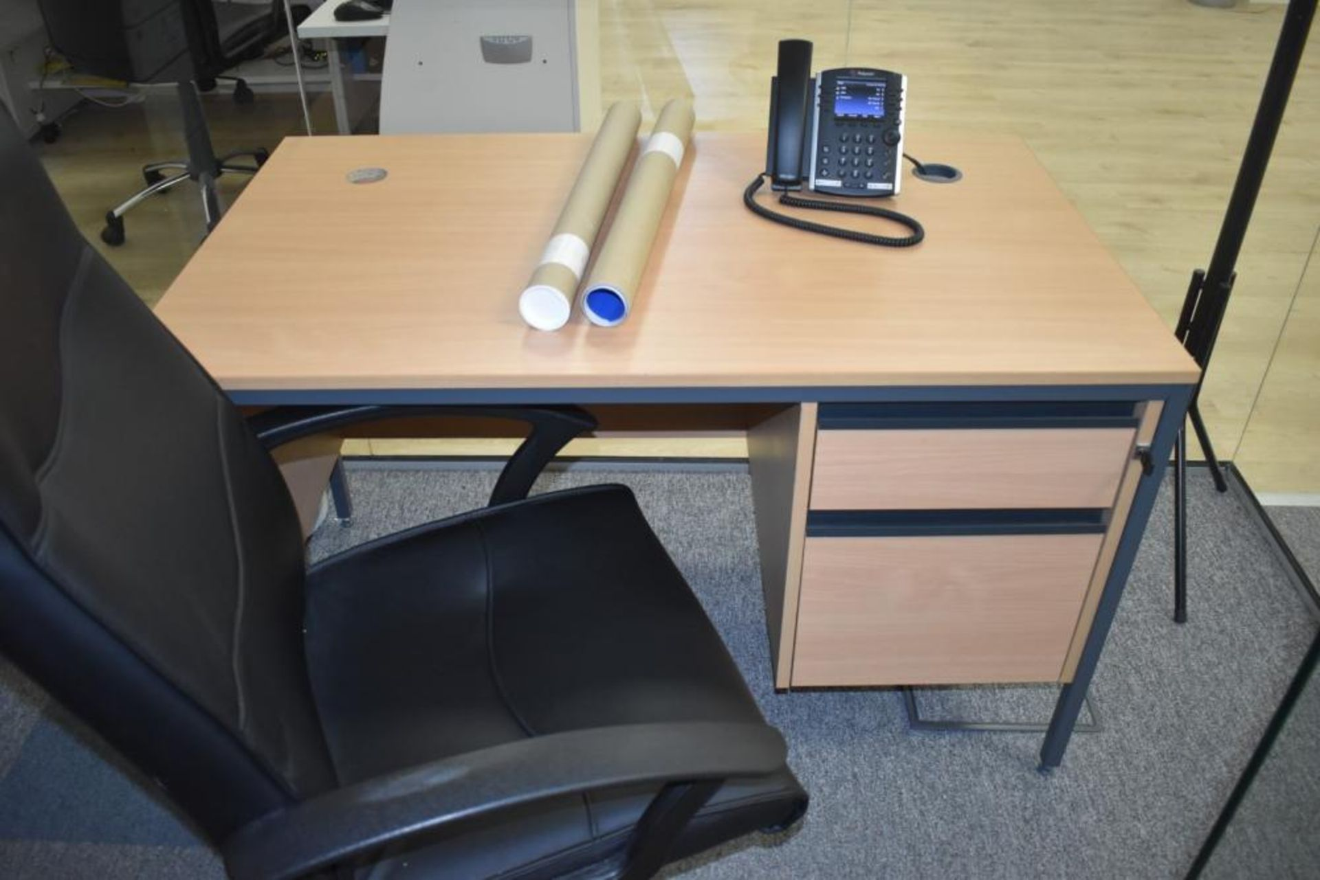 Lot 386 - 1 x Beech Office Desk With Leather Swivel Office Chair - Approx Dimensions H73 x W120 xD74 cms -