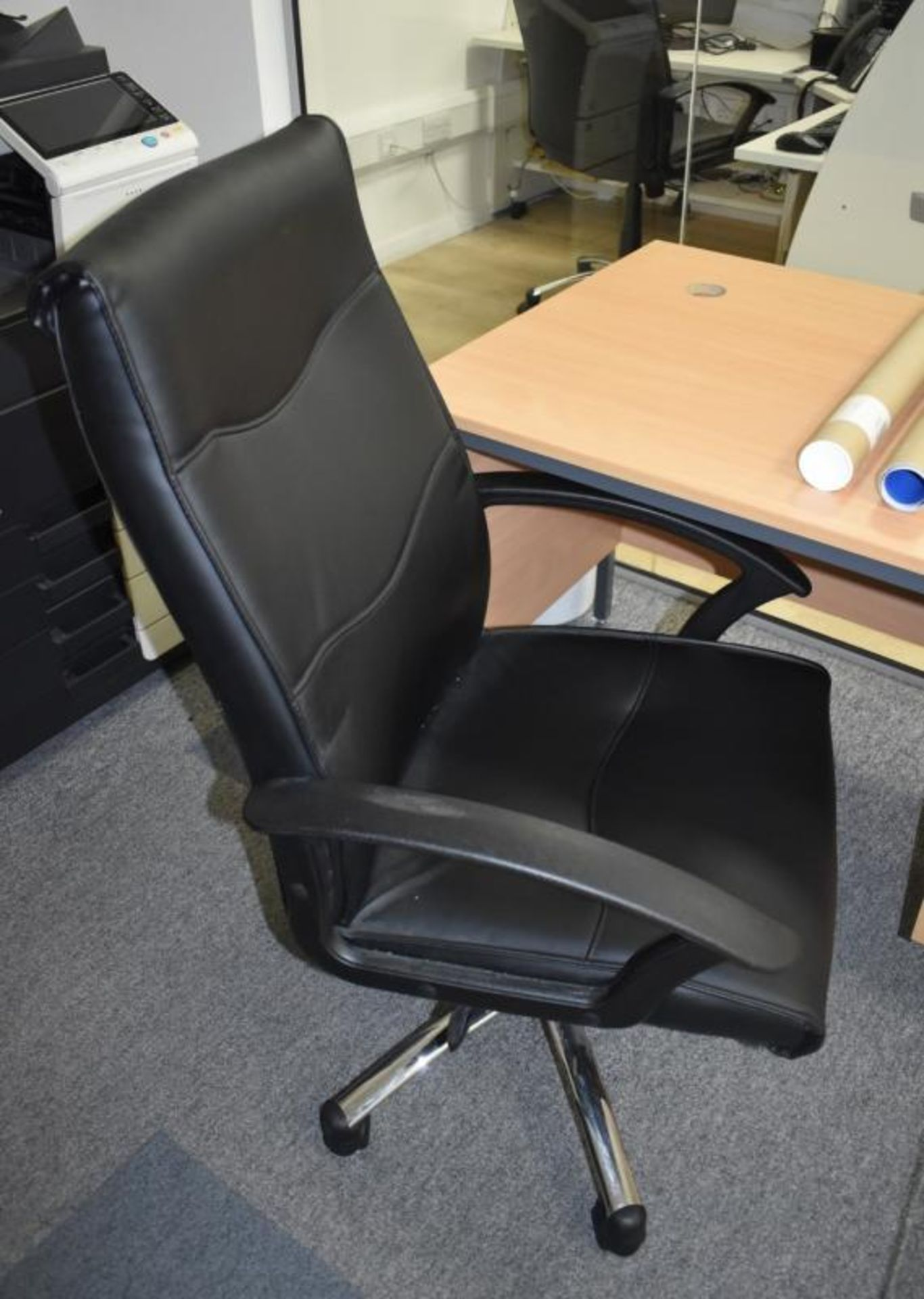 Lot 384 - 1 x Beech Office Desk With Leather Swivel Office Chair - Approx Dimensions H73 x W120 xD74 cms -