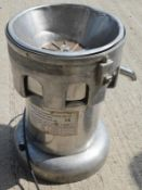 1 x ESPORANGE 2000JP Commercial Juicer Juice Maker - Pre-owned, Taken From An Asian Fusion Restauran