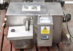 1 x Grease Guardian Automatic Grease Removal Unit - Features A Digital Panel And Stainless Steel Fin