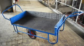 1 x Side Loading Transport Trolley With Rubber Wheels and Push/Pull Handles - Bed Size 77 x 150