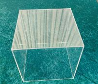 6 x Acrylic Display Cubes - Dimensions: 25x25cm - Ref: Lot 14 - CL548 - Location: Leicester LE4All