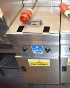 1 x Valentine Evo 400 Turbo Single Pan 400mm Electric Fryer - Ref: RB111 - CL558 - Location:
