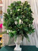 1 x 1m Tall Green Flower Statement Piece - Dimensions: 100cmx80cm - Ref: Lot 66 - CL548 -
