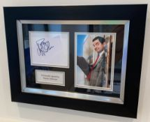 1 x Signed Autograph Framed Picture - ROWAN ATKINSON MR BEAN - With COA - CL590 - Location: