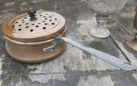 1 x Copper Pan With Lid - Diameter 20cm - Ref: JB244 - Pre-Owned - NO VAT ON THE HAMMER - CL574 - Lo