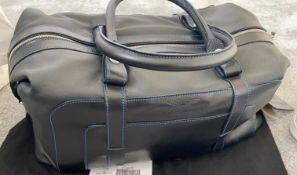 1 x Genuine Aston Martin Vantage Large Leather Holdall Luggage Case - Type 707400 - New With