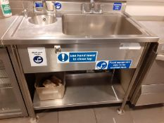 1 x Large Food Prep Sink Wash Unit With Mixer Taps and Hand Wash Basin - CL582 - Location: London