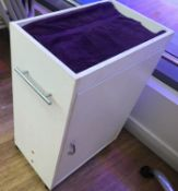 2 x Mobile Beauty Salon Technician Storage Trolley Pedestals - CL587 - Location: London WC2H