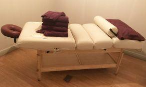 1 x Oakworks Clinician Manual Massage Table - Supplied With Headrest - CL587 - Location: London