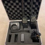 2 x Icom walkie talkies with 3 batteries and a charger in case - Ref: 1221 - CL581 - Location: