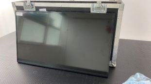 """1 x Samsung 32"""" DC32e Monitor In Flight Case With PSU - Ref: 318 - CL581 - Location: Altrincham"""
