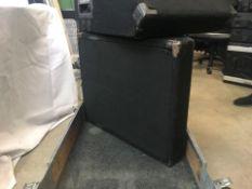 "2 x Peavey 12"" monitors in flightcase - Ref: 1237 - CL581 - Location: Altrincham WA14Items will be"