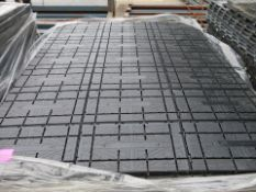 1 x Groundtrax Rola-trac ULTRA On a pallet, estimated 60m squared - Ref: 1191 - CL581 - Location: