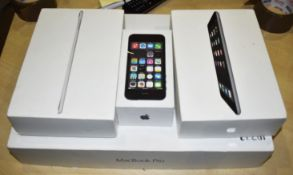 4 x Apple Retail Boxes - Imac, Iphone and Ipad Boxes - Ref: In2125 wh1 pal1 - CL011 - Location: