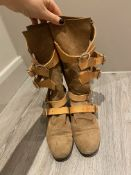 1 x Pair Of Genuine Vivienne Westwood Boots In Brown - Size: 36 - Preowned in Worn Condition - Ref:
