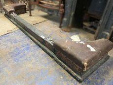1 x Antique Cast Iron Fireguard - Dimensions: Width 180cm x Depth 41cm x Height 19cm - Ref: JB275 (