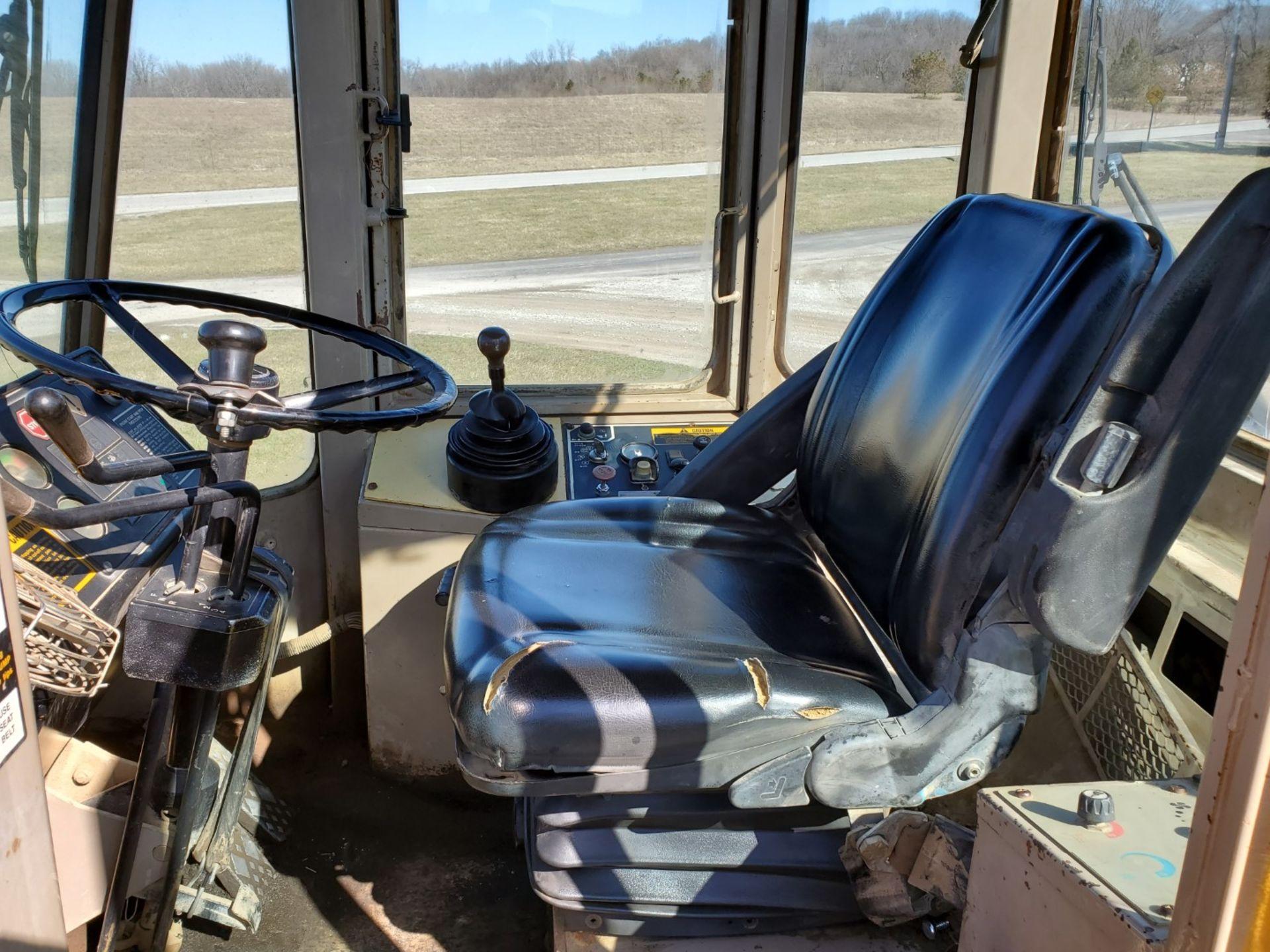 1989 John Deere Loader Model 644E w/ 3.5 CU Yard Bucket, Enclosed Cab, 13,449 Hours, All New Tires - Image 16 of 30