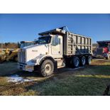2004 Kenworth T-800, 385 HP, 46,000 lb Suspension, Eaton 10 Speed, Ox Bodies 16' Bed 487,097 Miles