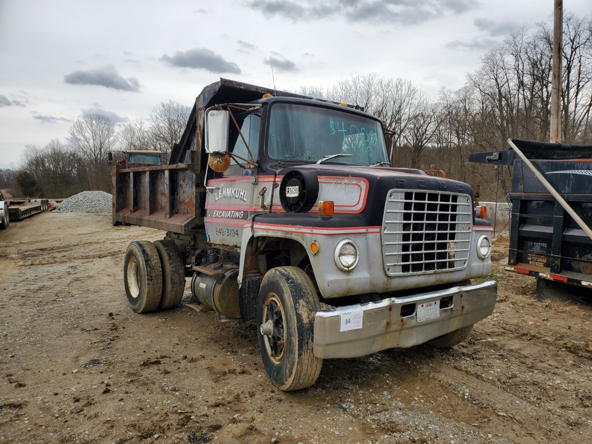 Lot 34 - 1976 Ford 8000 Single Axle Dump Truck, 9 ft Dump Bed, Manual Transmission, 2-Speed Axle, 86,500 Mile