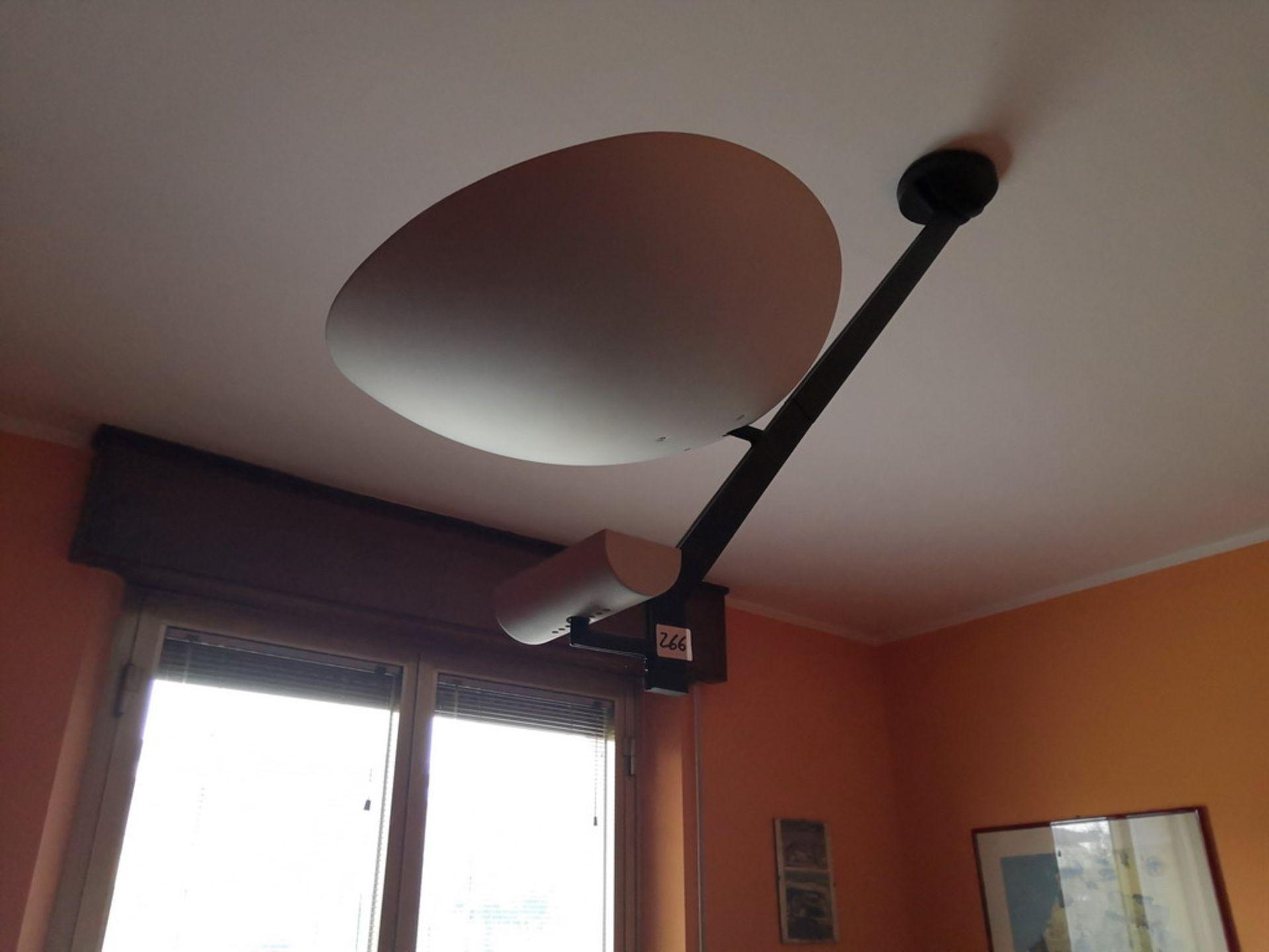 Lot 127 - LOTTO 1 (775 FALLIMENTO) 95) N° 2 LAMPADE PIANTANE IN METALLO VERNICIATO NERO € 100,00, 125) PORTA