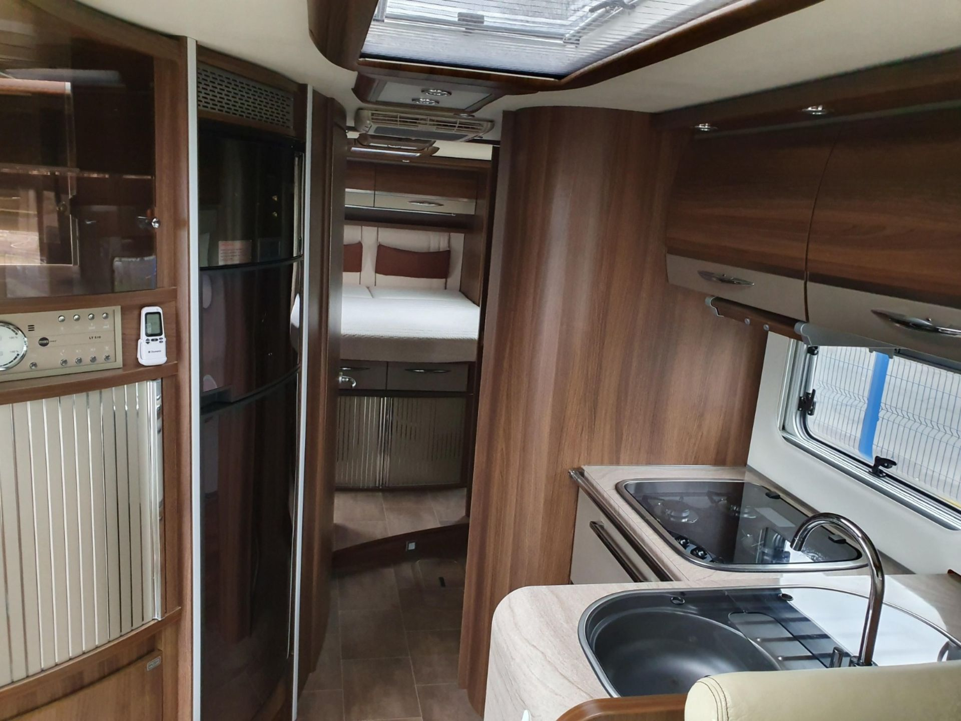 Lot 1A - 2013 BURSTNER ELEGANCE i890 3.0 AUTOMATIC PREMIUM 4 BERTH MOTOR HOME 6X2