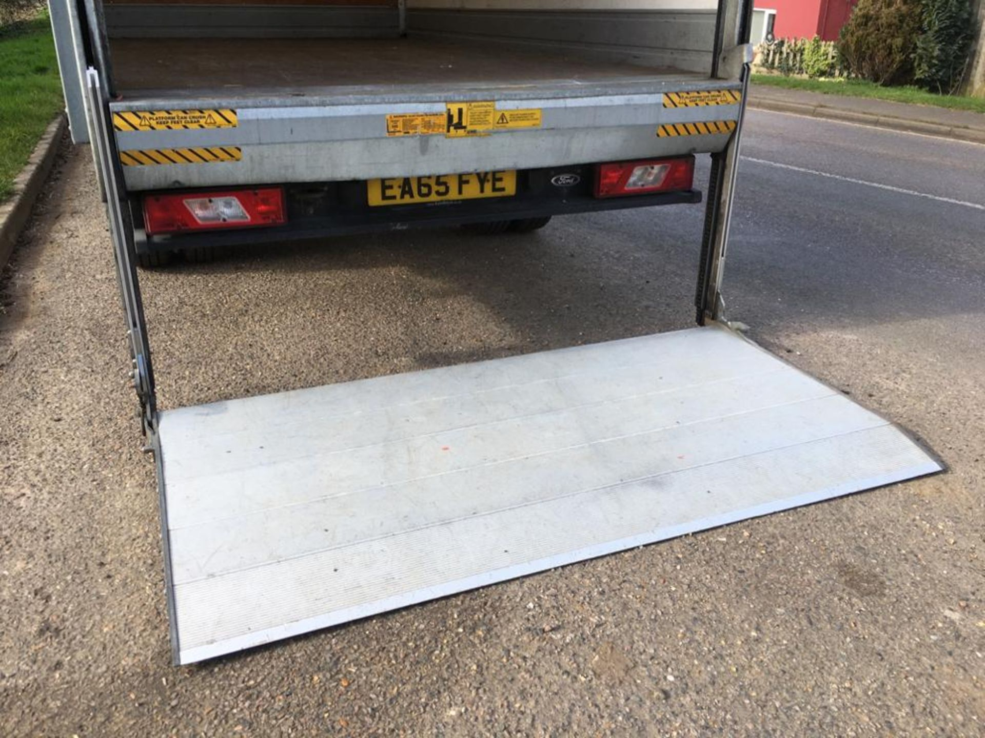Lot 7 - 2015 FORD TRANSIT LUTON 350 VAN WITH TAIL LIFT **EURO5**