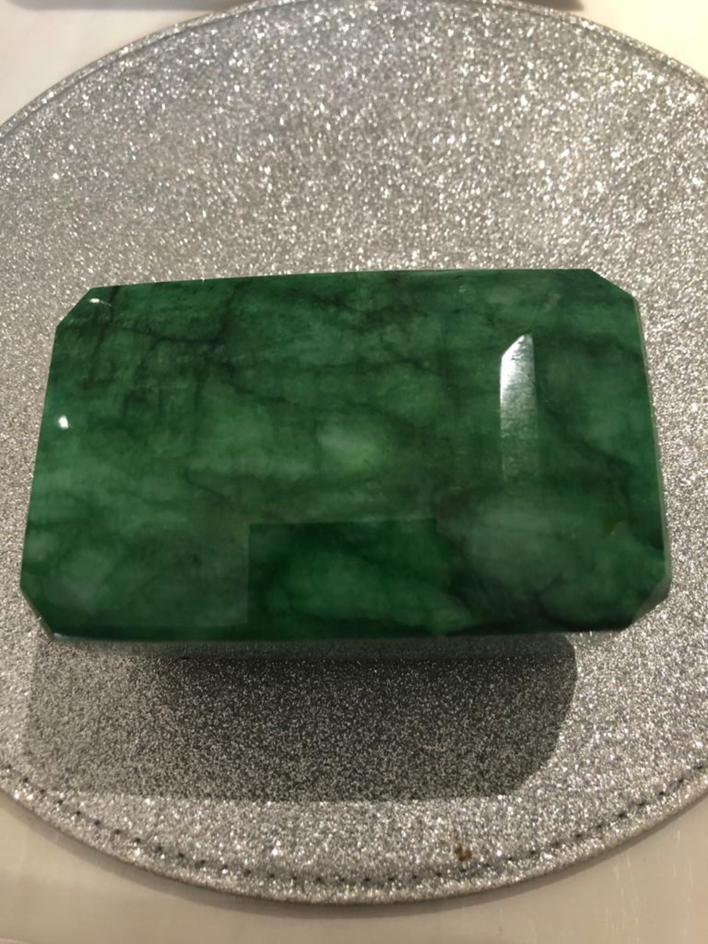 8954 CT EMERALD COLLECTIORS PIECE - Image 4 of 6