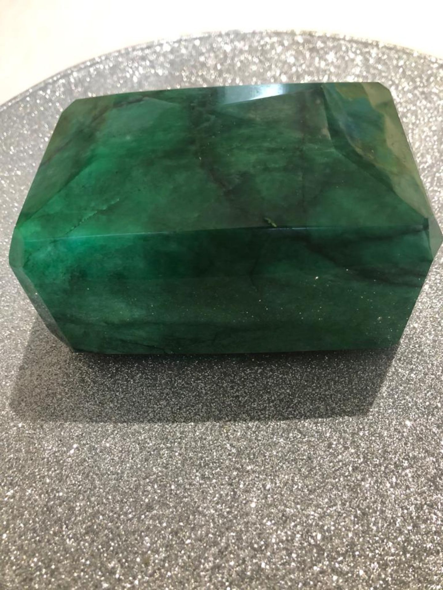 8954 CT EMERALD COLLECTIORS PIECE - Image 3 of 6