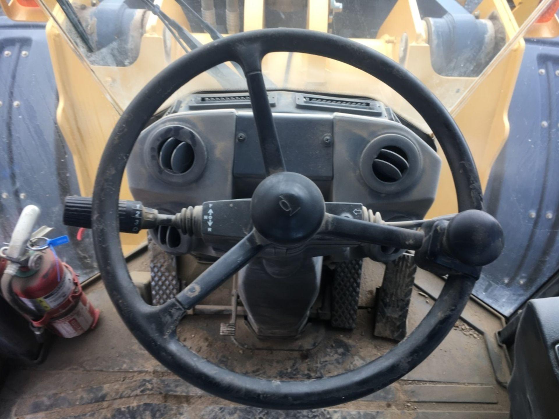 Lot 26 - 2012 John Deere 824K Wheel Loader