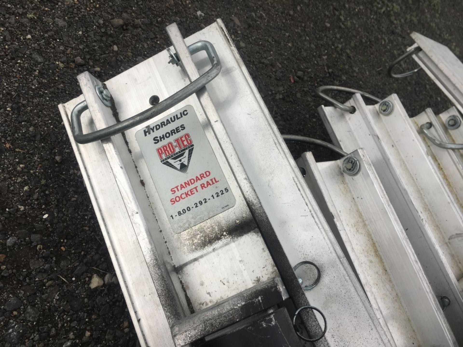 Lot 166 - Pro-Tec Aluminum Hydraulic Shores