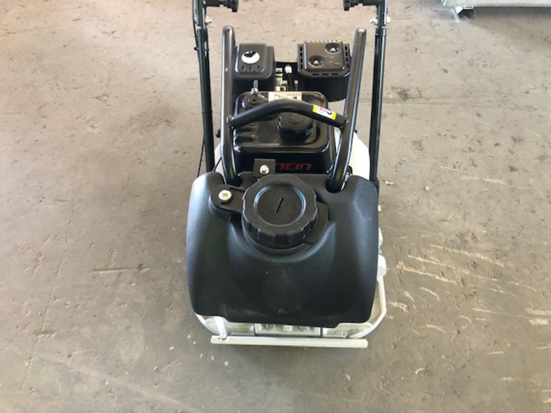 Lot 4 - 2020 Mustang LF-88 Plate Compactor