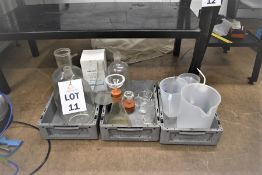 QTY OF VARIOUS LAB GLASSWARE