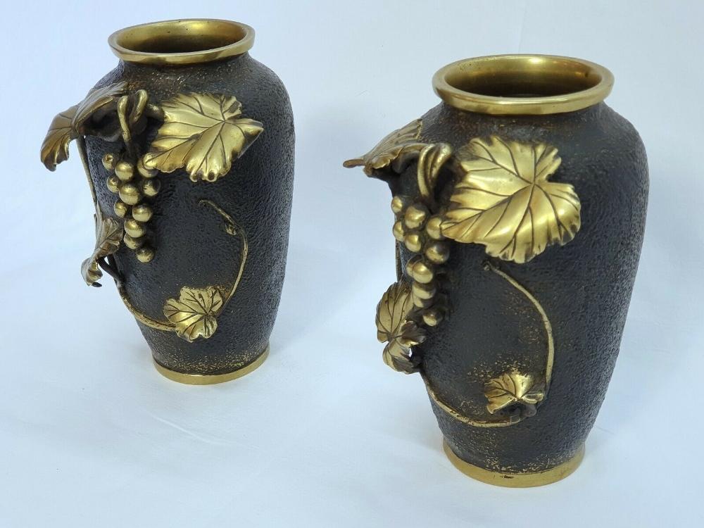Lot 13 - Pair Meiji Japan Bronze Art Nouveau Vases After Murata Seimin (1761-1837)